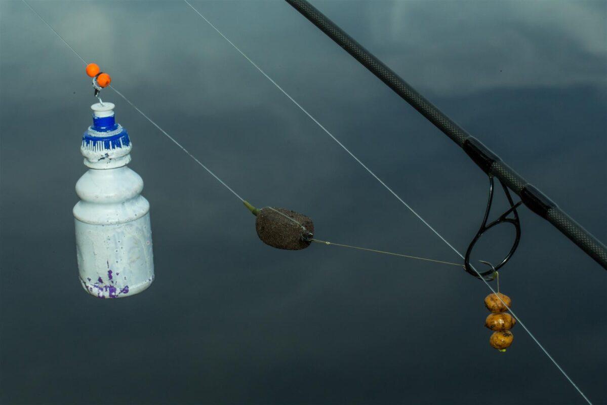Vissen met een fles heeft twee voordelen