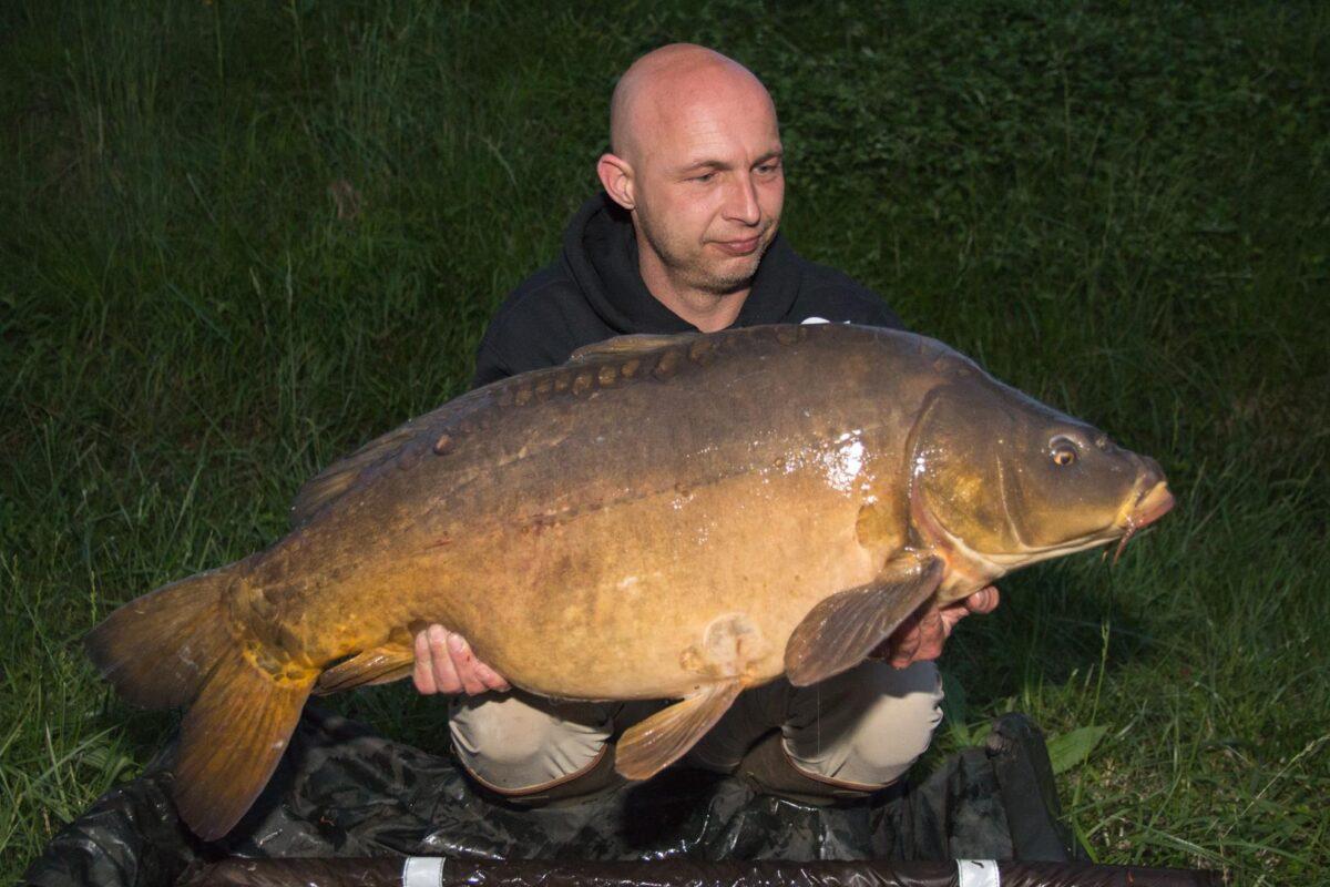 Onze eerste vis uit de Alpen, een prachtige 18kg wegende spiegel