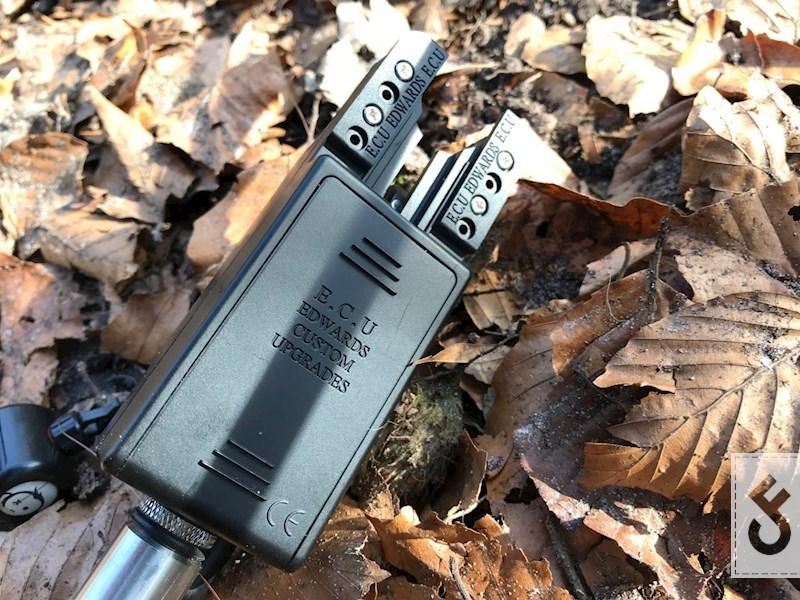 Details in batterijklepje en Rod Risers
