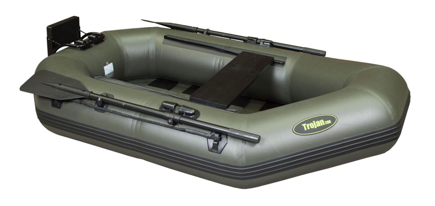 Een rubberboot met een afneembare spiegel