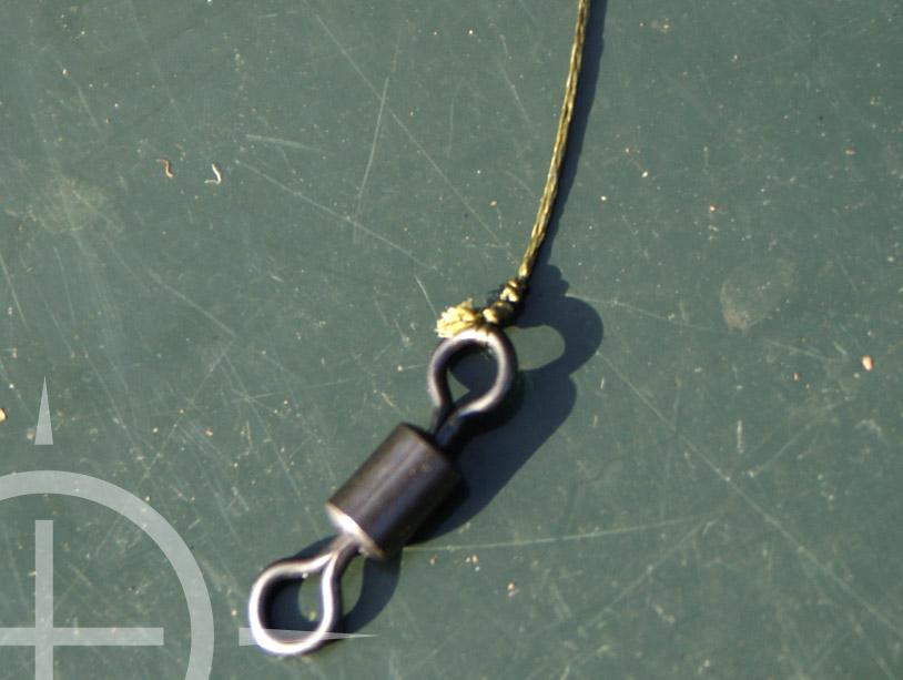 Maak de lus nu goed nat en trek de knoop heel langzaam vast. Controleer de bloedknoop door even heel hard te trekken, zodat je zeker weet dat hij niet zal verschuiven tijdens een dril!