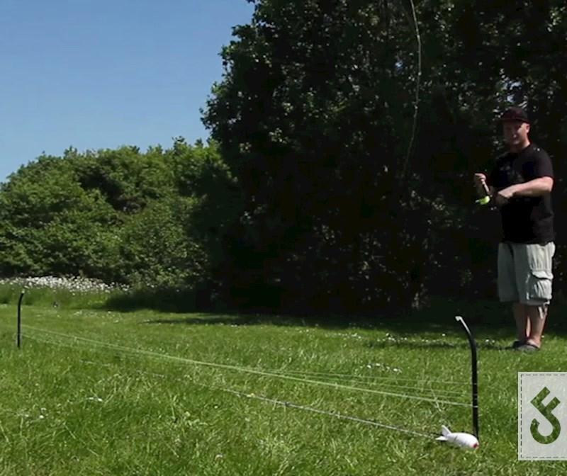 Sommige distance sticks hebben een iets gebogen kop waardoor je sneller je wikkelen
