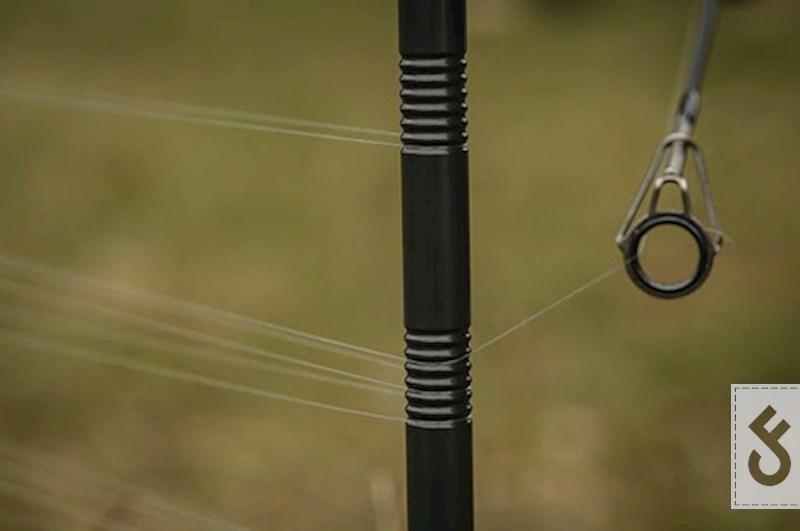 Veel distance sticks zijn voorzien van ribbels voor meer grip