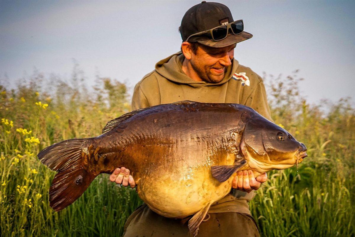 Bakkensessie: De topvis, de koningin van de plas op 24kg