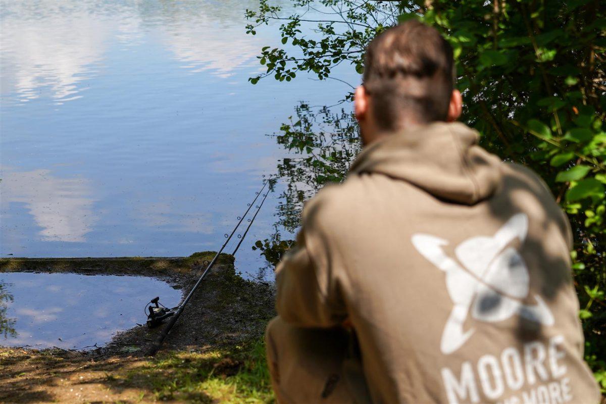 Het is belangrijk om te vissen vanuit beschutting om zo geen vissen te verjagen