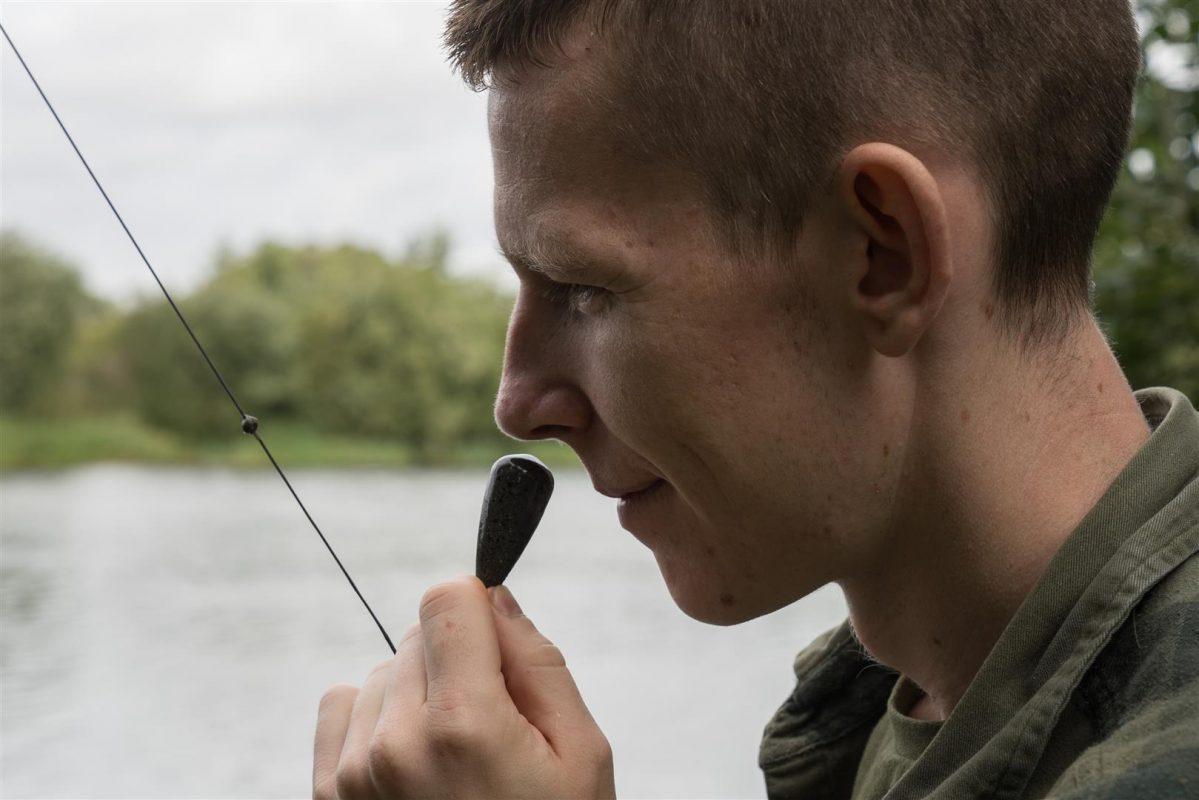 Door aan je lood te ruiken weet je gelijk of je in het slib ligt te vissen